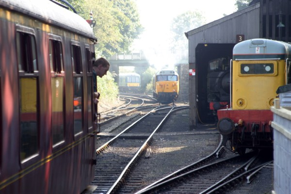 Cornwall Weblog: Train switching (IMG_0872.JPG, 600 x 400, 68.0K)
